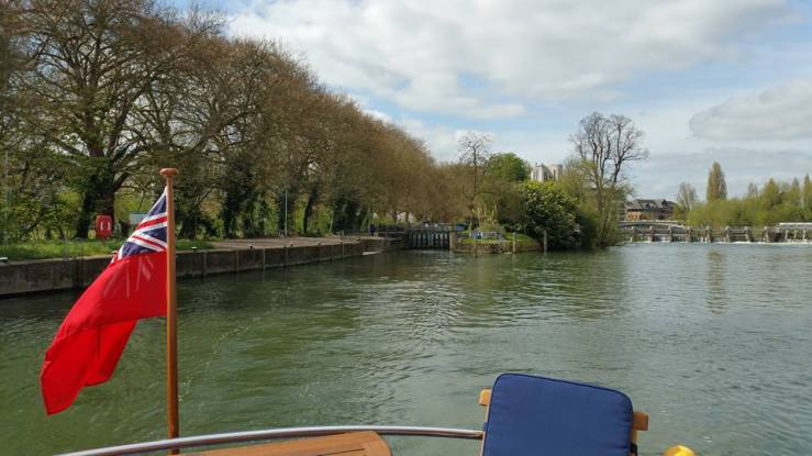 Mapledurham direction Caversham lock leave